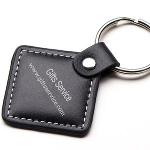 kožené RFID, NFC přívěsky na zakázku